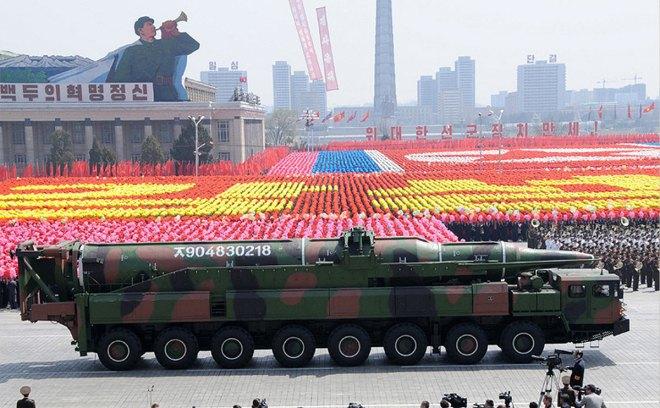 ICBM KN 08 mock up parade.jpg