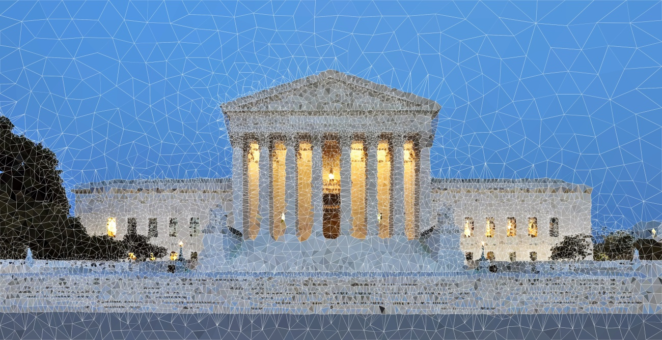 Panorama_of_United_States_Supreme_Court_Building_at_Dusk